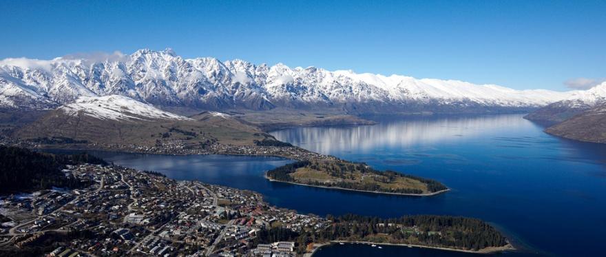 Queenstown_in_Winter
